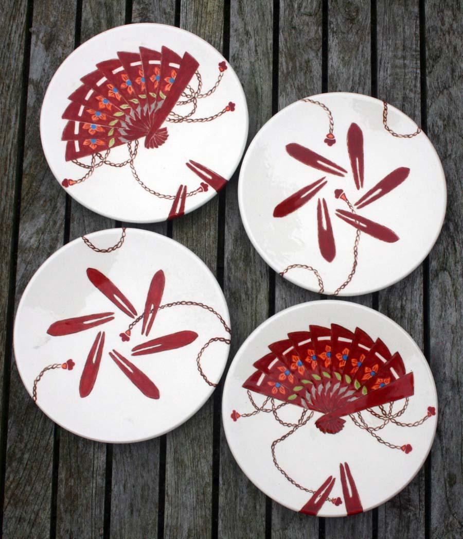 4 bordjes met waaiers en prikker - rond ... cm