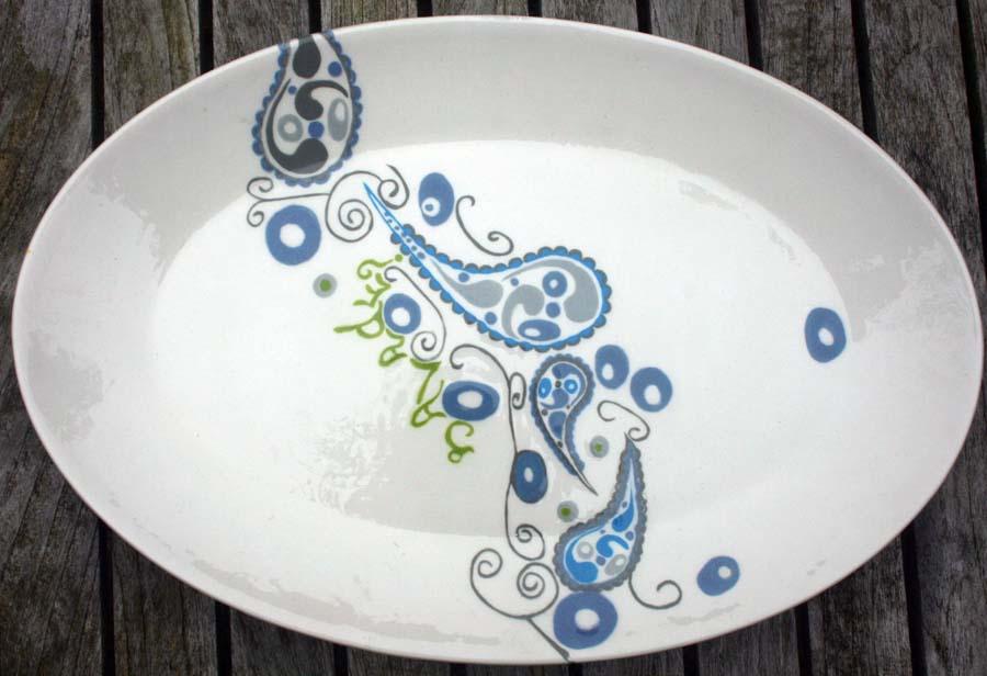 Ovale schaal Paisley en tekst 'salade', 36 x24 cm, € 28,-