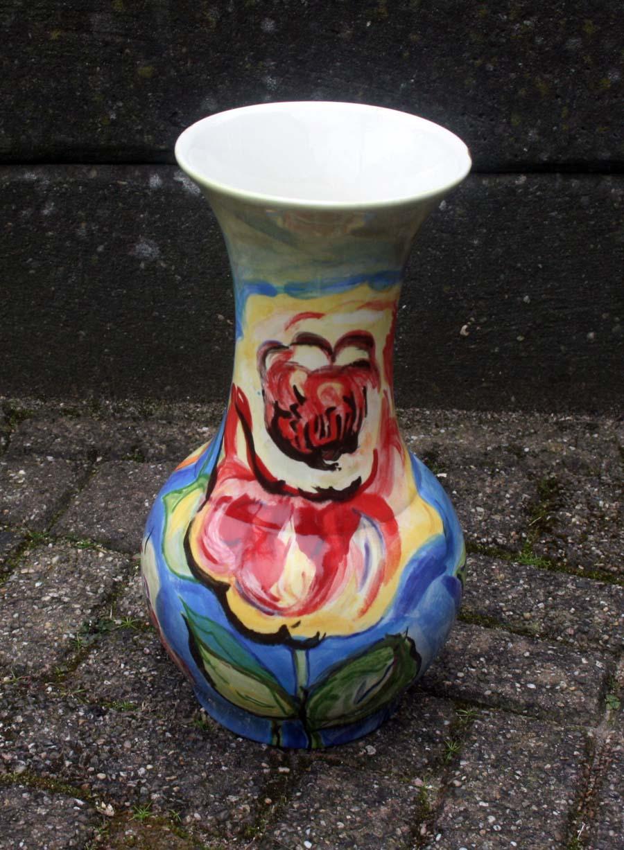 Vaas met bloemmotieven