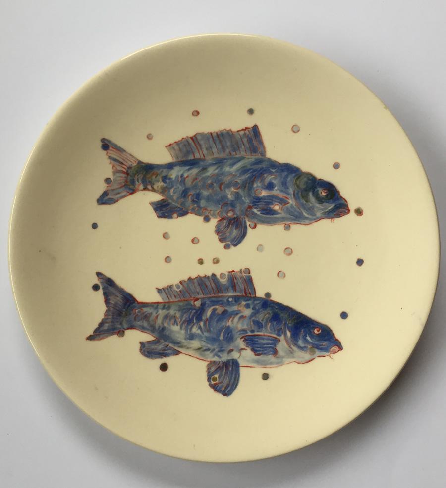 Ronde schaal plat met 2 blauwe vissen