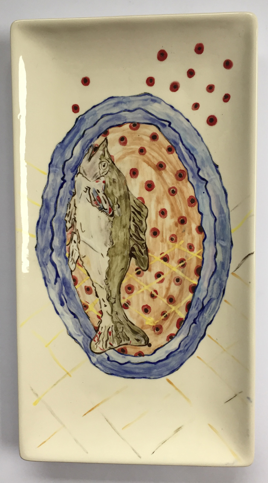 Rechthoekige schaal met blauwe rand, vis